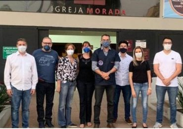 Iglesia se convierte en un centro médico que ayuda a combatir la pandemia ofreciendo atención gratuita